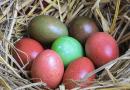 A Pasqua uova sode colorate