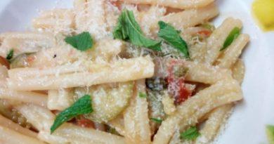 Casarecce con zucchine in salsa di menta